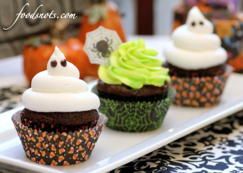 008e3-ghoulishly-glowing-cupcakes