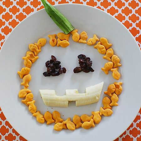 64-Non-Candy-Halloween-Snack-Ideas-snake-plate