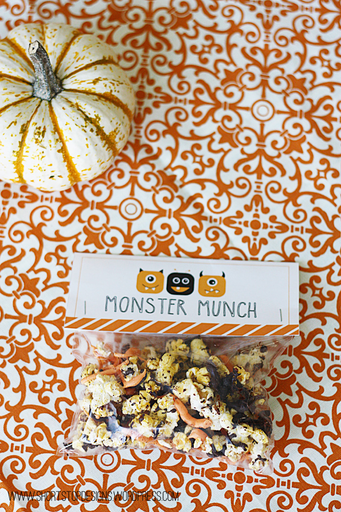 Oreo Monster Munch Popcorn & Free Printable Tags |
