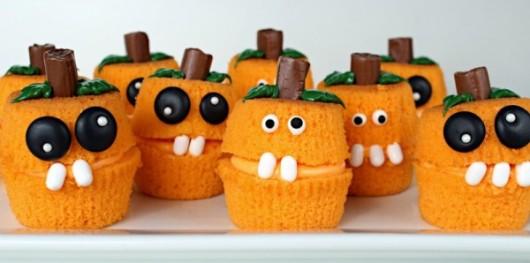 Pumpkin-Cakes-I-600x298