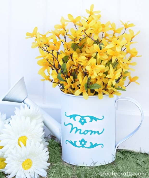 DIY-Watering-Can-Vase_thumb-25255B2-25255D